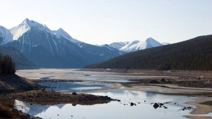 Climate crisis is causing lakes to shrink -Vigor column