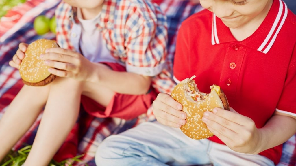 Proximity Fast food restaurants likely doesn't affect children's weight